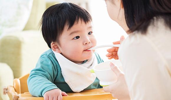 はちみつを授乳中に食べることや赤ちゃんに与えることは?